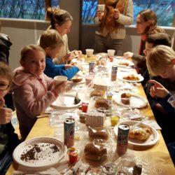 Plaswijckpark trakteert Bogermanschool op Voorleesontbijt